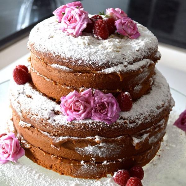 161 Naked Cake
