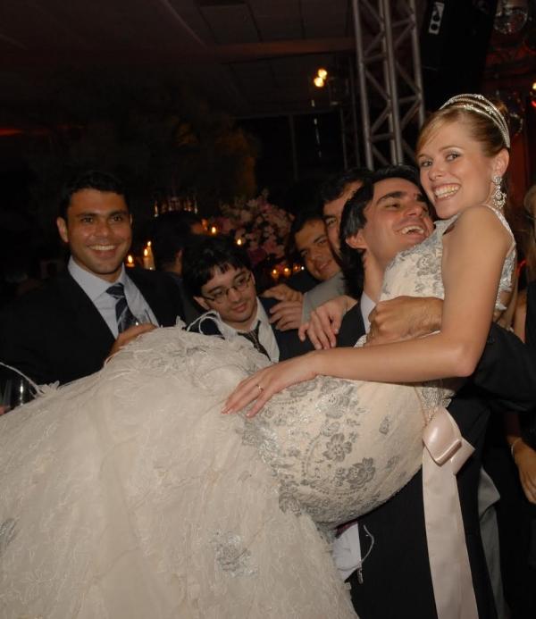 4 Karla & Dinho