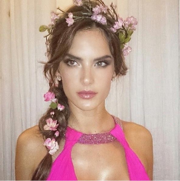 VOGUE 2 Alessandra Ambrósio para o Baile da Vogue