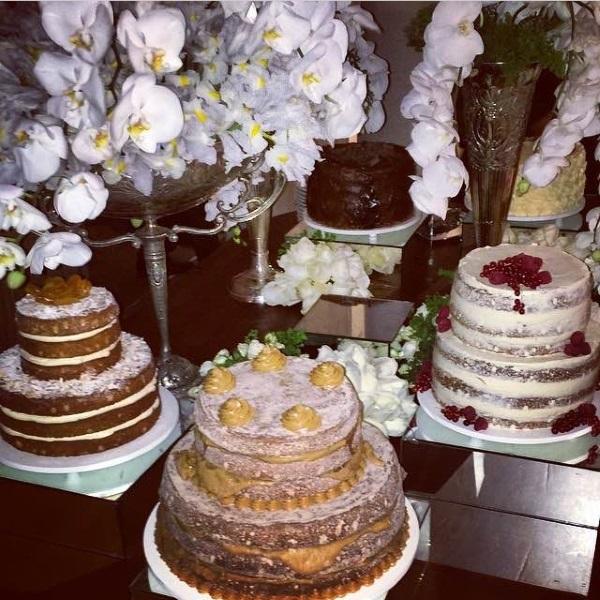 bolos casamento debora Tendência: mesa com bolos variados