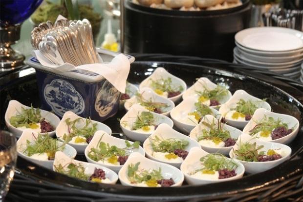 buffet zest 10 Apresentação do buffet {com azul e branco}