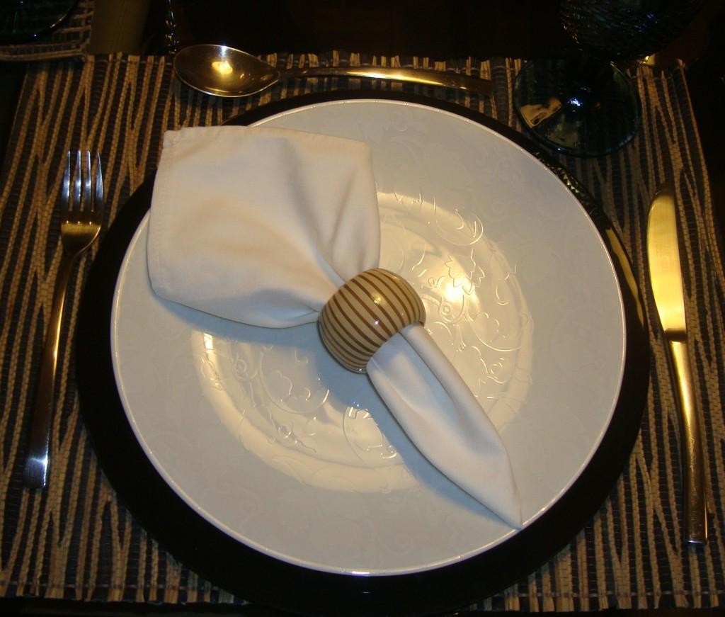 210 1024x871 Mesa para jantar...!