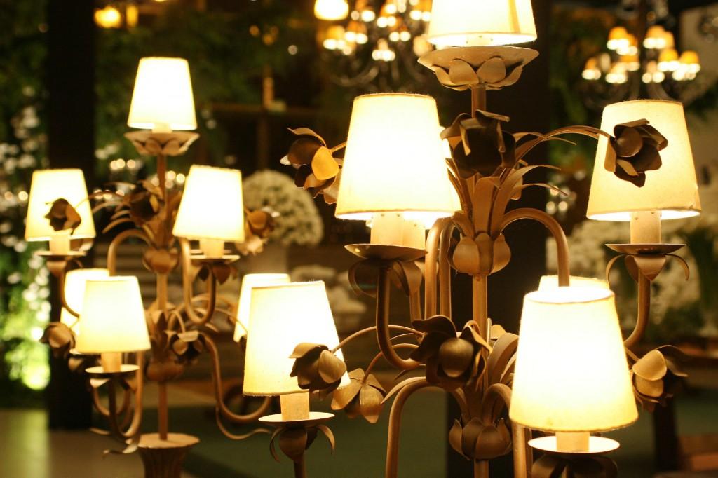 212 1024x682 Decoração: Madeira + velas