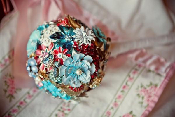 H Bouquets de broches
