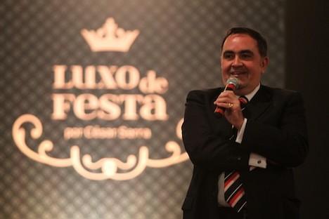 VIC MEIRELLES Alguns detalhes do Luxo de Festa
