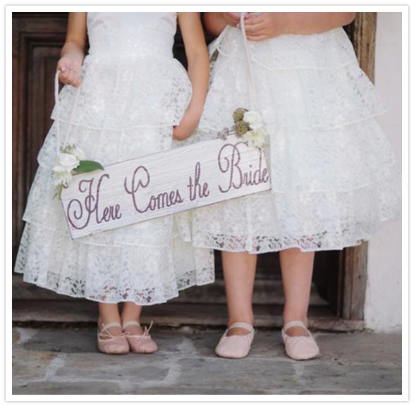 HERE COMES THE BRIDE E lá vem a noiva...!