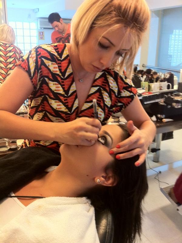 317 Madrinha: cabelo e maquiagem