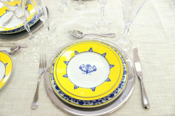 19 Montando mesas {amarelo e azul}