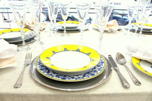 63 Montando mesas {amarelo e azul}