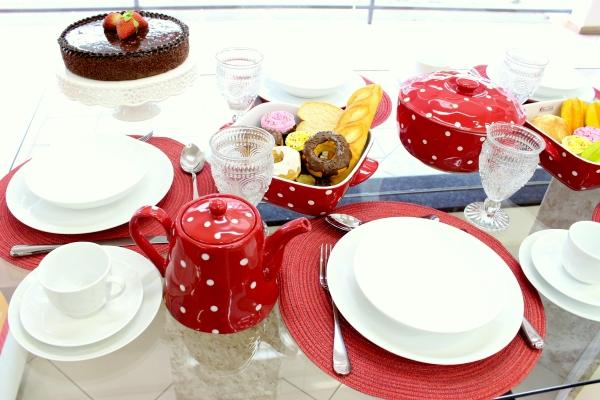 C4 Montando mesas {vermelho e branco}