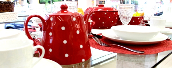 D2 Montando mesas {vermelho e branco}