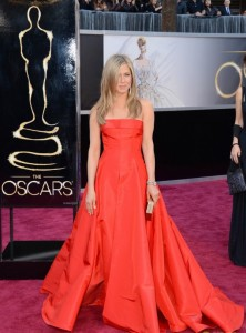 jennifer aniston oscars 2013 with justin theroux 011 222x300 jennifer aniston oscars 2013 with justin theroux 01