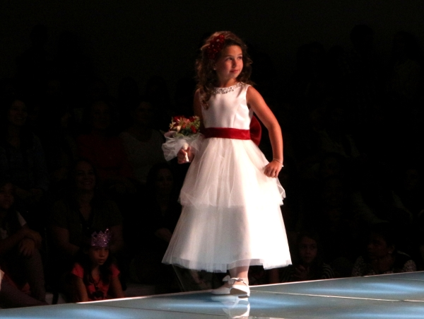121 Flower Girl {Luxo de Festa 2013}