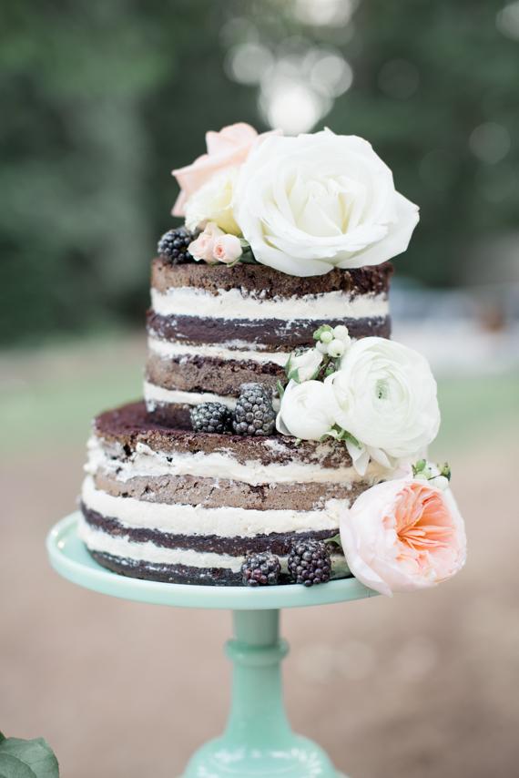NAKED COM FLORES Naked cake + flores naturais