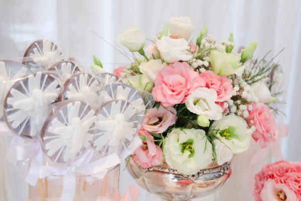 0 Decoração: rosa e branco
