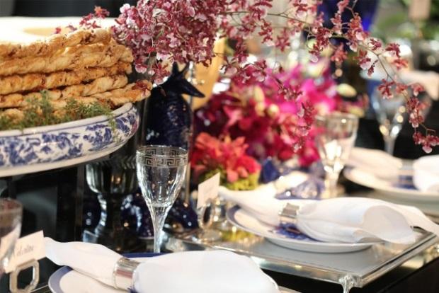 buffet zest 12 Apresentação do buffet {com azul e branco}