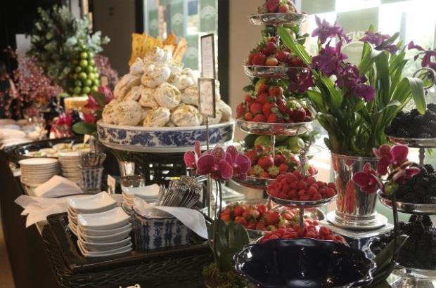 buffet zest 2 Apresentação do buffet {com azul e branco}