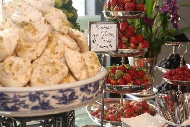 buffet zest 5 Apresentação do buffet {com azul e branco}