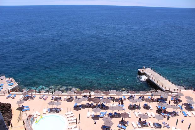 cliff bay hotel vista copy Lua de Mel: Ilha da Madeira