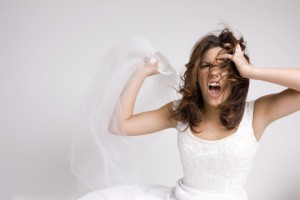 noiva ansiosa 300x200 Angry Screaming Bride Throwing Veil on White, Copy Space