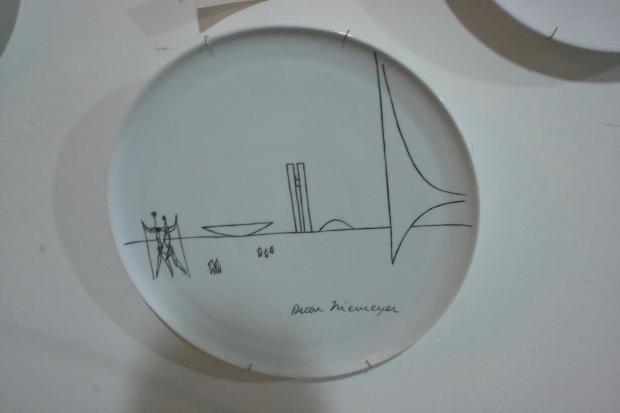 pratos brasilia 4 Oscar Niemeyer por Sônia Ledic (para a sua casa)