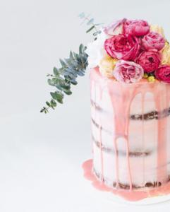 drip cake com rosas 241x300 drip cake com rosas