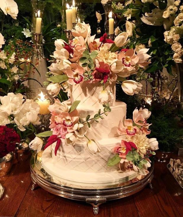 bolo com flores Bolo com flores