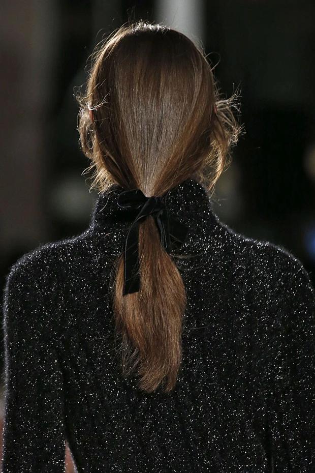 laco penteado 5 Laços de veludo para os penteados
