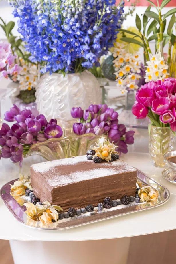 mesa de sobremesas 1 Tendência: mesa de sobremesas para casamentos