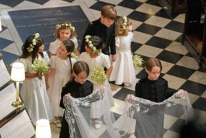 casamento real daminhas e pajens 10 300x201 CASAMENTO REAL DAMINHAS E PAJENS 10